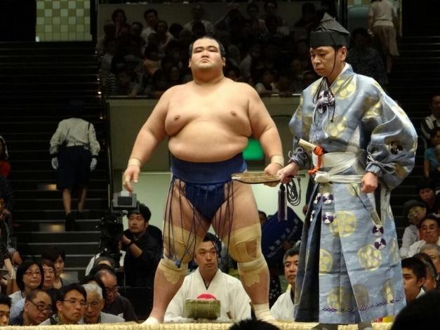 El Ozeki Kotoshogiku, primer japonés en conseguir el título en diez años
