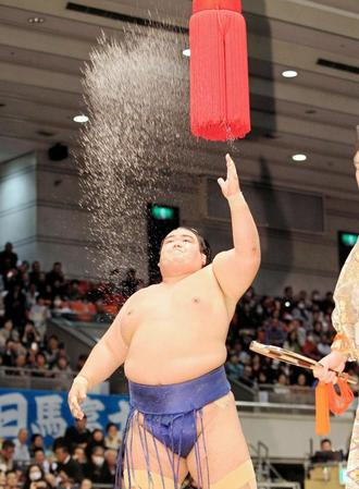 El Ozeki Kotoshogiku sigue cosechando victorias en su carrera por revalidar el título (Foto: Sumoforum.net)