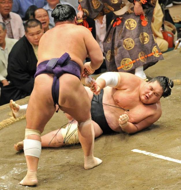 La nueva derrota del Ozeki Terunofuji le complica su futuro en este Aki Basho (Foto: Sumoforum.net)