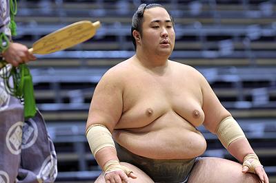 El japonés Sato se ha hecho con el triunfo en Juryo (Foto: Martina Lunau)